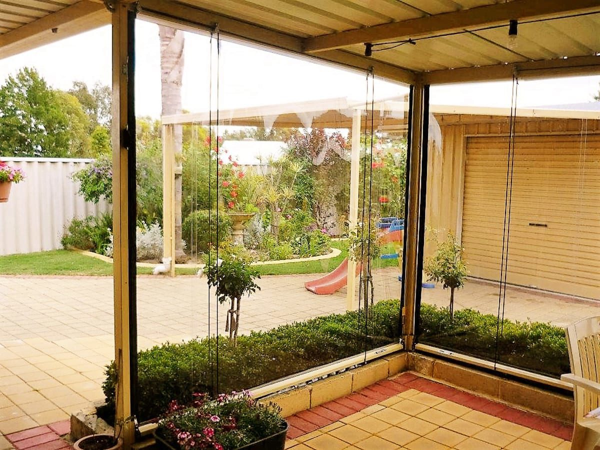 Outdoor Blinds - Commercial (Cafe)