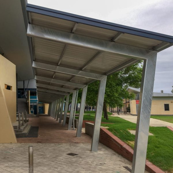 Large shade structure